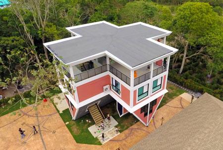 بان تیلانکا, خانه وارونه در جزیره پوکت,خانه وارونه