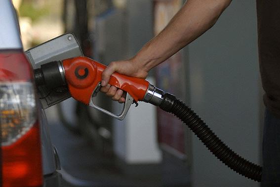 قیمت بنزین در سال 95 افزایش پیدا می کند؟