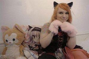 دختر گربه ای