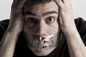 زنی 27 ساله ام شوهرم به من دروغ میگوید با او چه کنم؟
