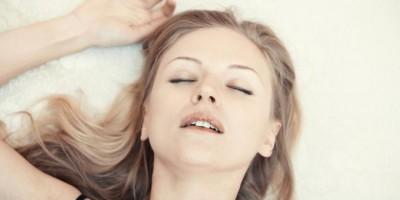 دلیل تحریک شدن، ارگاسم و ارضا شدن در خواب چیست؟