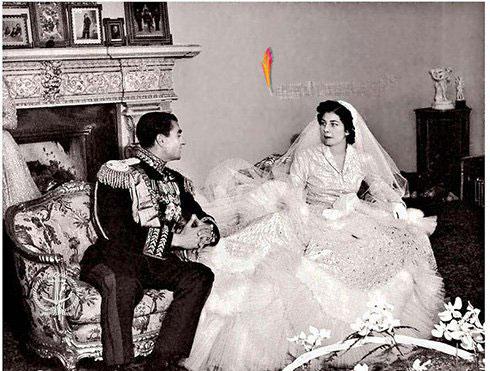 لباس عروس ثریا، طراحی شده توسط برند دیور Dior