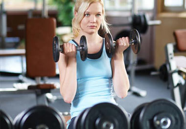 تصاویر متحرک 6 حرکت عالی برای گرم کردن بدن قبل از ورزش
