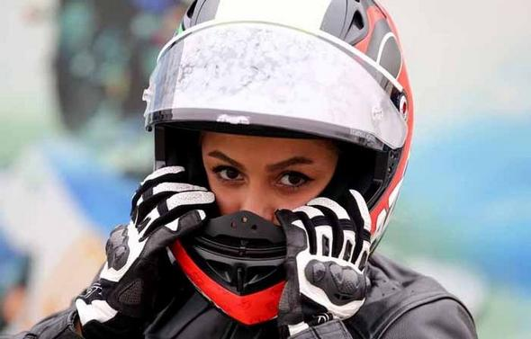 بهناز شفیعی دختر موتور سوار ایرانی
