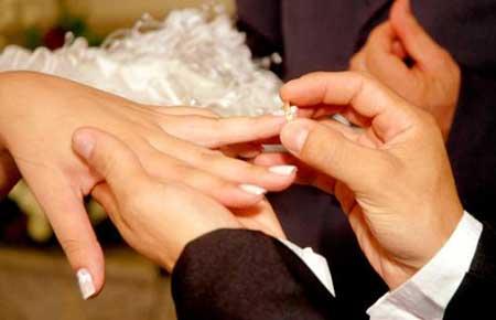 آیا ازدواج پسر مجرد با زن مطلقه درست است؟