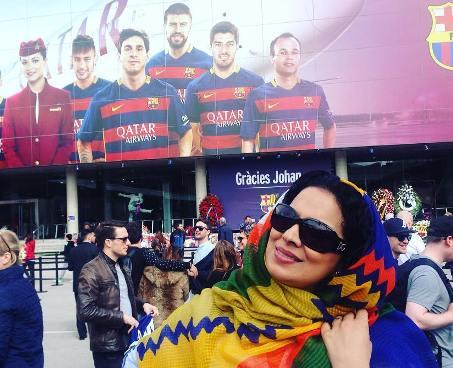 عکس های روشنک عجمیان و همسرش در ورزشگاه نیوکمپ