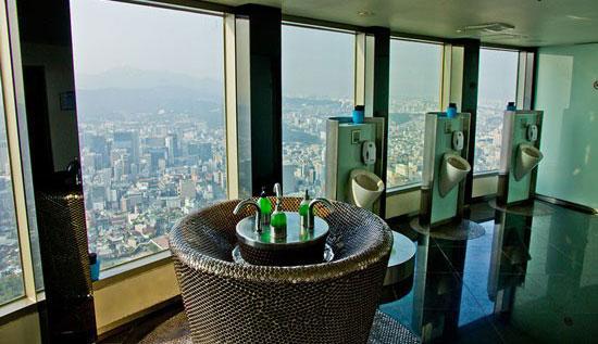 عکس هایی از زیباترین و خوش منظره ترین توالت های دنیا!