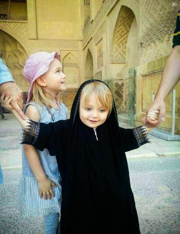 عکس از دختر جذاب توریست که در اصفهان با حجاب شد!