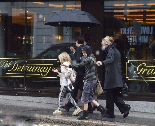 عکس انجلینا جولی و خانواده