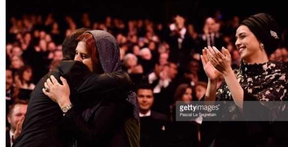 عکس های شادی اصغر فرهادی در آغوش همسرش