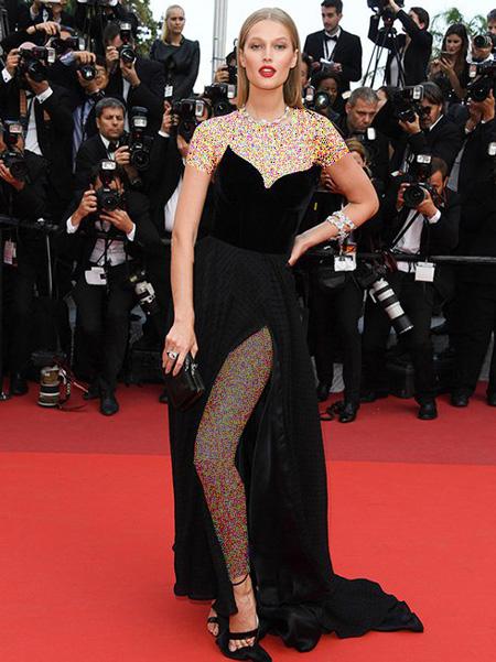 مدل لباس تونی گارن Tony Garrn در جشنواره کن Cannes 2016