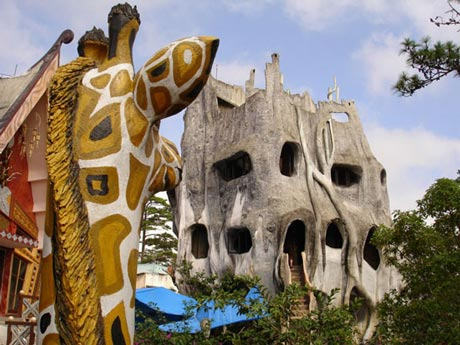 گالری هنر و مهمانپذیر Hang Nga، دالتا، ویتنام