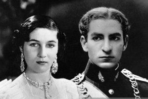 عکس کارت عروسی محمدرضا پهلوی و همسرش فوزیه