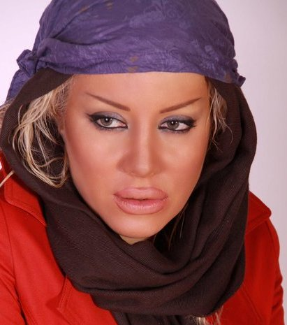 تزریق ژل و جراحی زیبایی باعث بیکاری بازیگر زن شد