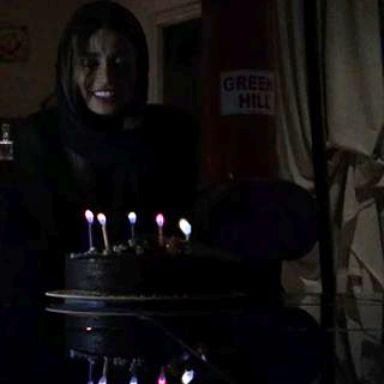 عکس های داغ تینا آخوندتبار در جشن تولدش