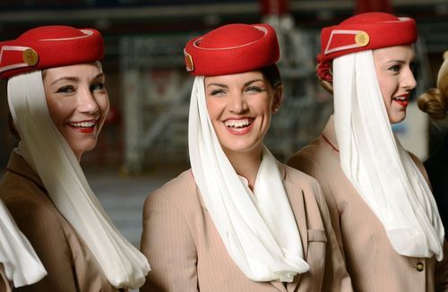 عکس زن مهماندار هواپیمایی امارات