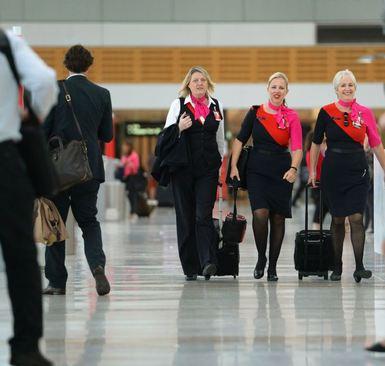 مهماندار زن هواپیمایی کوانتس استرالیا