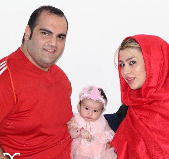 عکس جدید بهداد سلیمی در کنار همسر و دخترش
