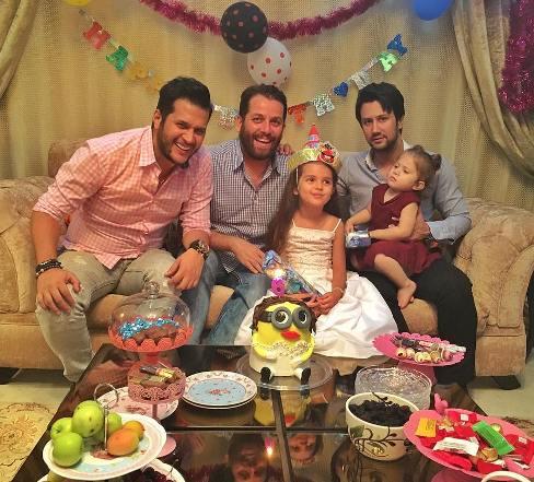 عکس تولد دختر بازیگر با حضور شاهرخ استخری و سیاوش خیرابی