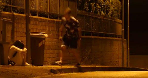 کلیپ دوربین مخفی وحشتناک و خنده دار دختر بچه شیطانی!