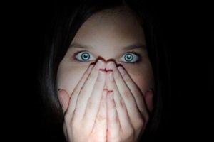 عکس از بلای وحشتناکی که سر چهره زن آمد (با داروی تقلبی)