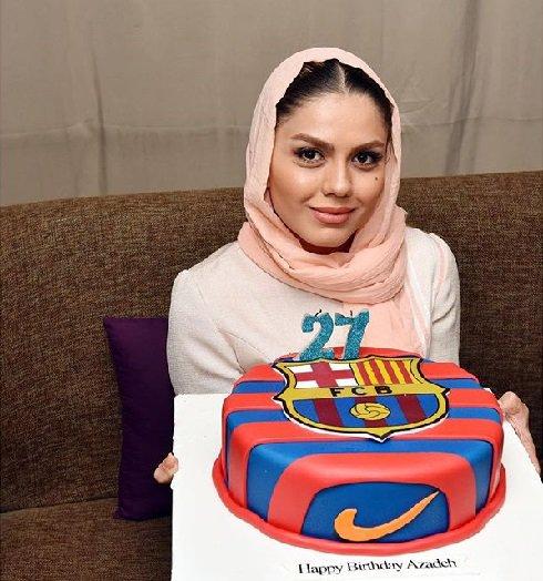 آزاده زارعی در جشن تولدش