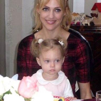 عکس دیدنی دختر مریم اوزرلی و شباهتش به مادرش!