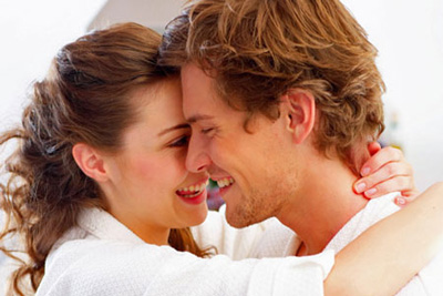 روش های عشق بازی و تحریک جنسی همسر (18+)