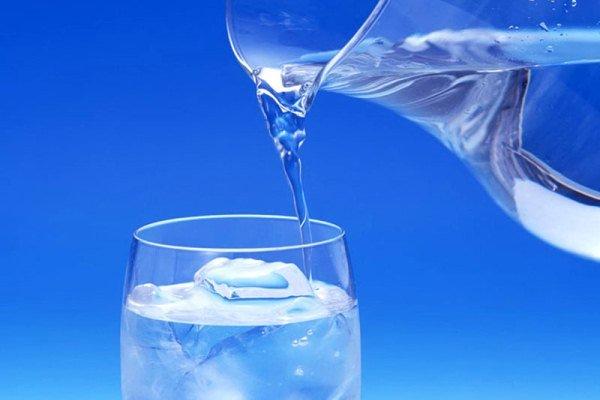 با خوردن آب هم می توانید لاغر شوید!