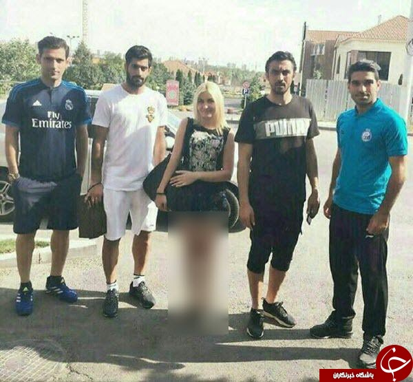 عکس بازیکنان استقلال در کنار دختر نیمه برهنه!