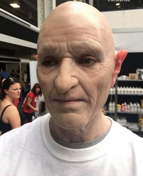 عکس های باورنکردنی تغییر چهره دختر به پیرمرد سالخورده!
