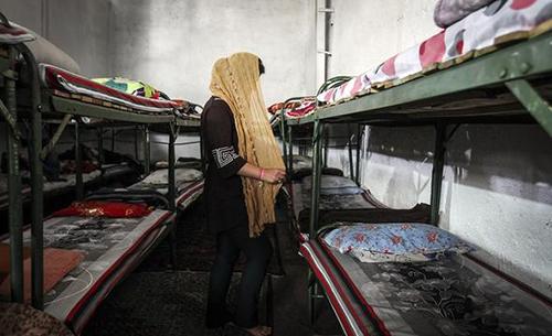 عکس های دیده نشده زنان در کمپ ترک اعتیاد زنان ایرانی