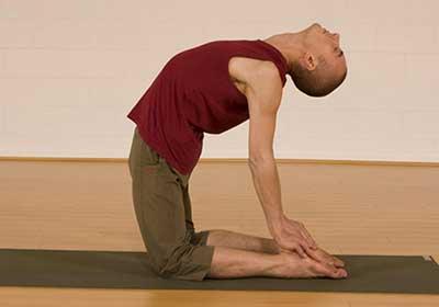 آموزش حرکت های ورزشی یوگا برای تنظیم هورمون ها