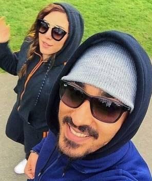 عکس جنجالی و خفن رضا قوچان نژاد و همسرش در خیابان های اروپا