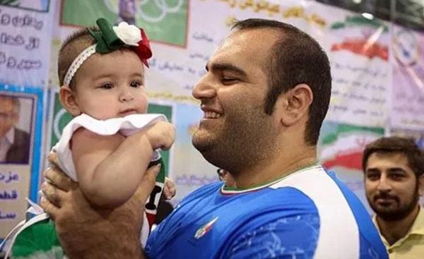 عکس بهداد سلیمی و دخترش