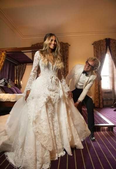 طراحی لباس عروس بازیگر مدلینگ مشهور با پارچه دانتل و تورهای فرانسوی