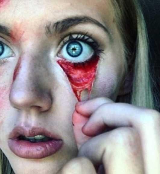 نقاشی سه بعدی وحشتناک روی صورت دختر