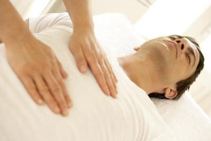 با ماساژ شکم یبوست را درمان کنید!
