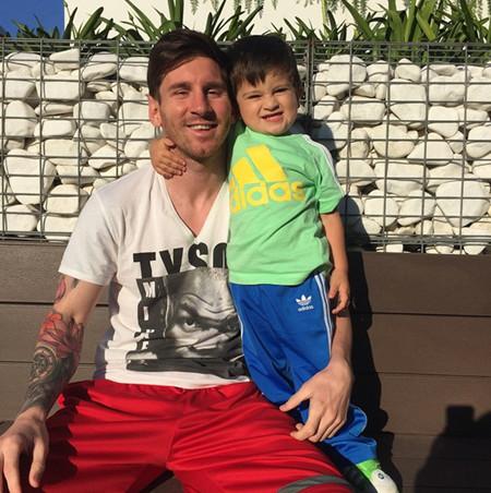 عکس جدید لیونل مسی و پسرش تیاگو