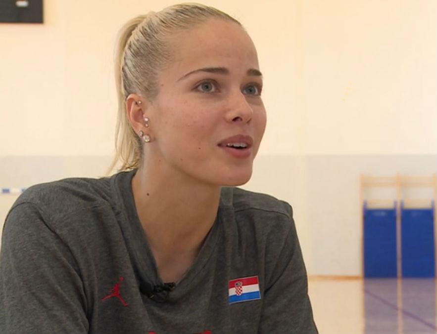 Michelle Waterson رشته ورزشی بسکتبال ار کشور کرواسی