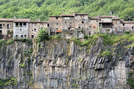 Castellfollit de la Roca اسپانیا