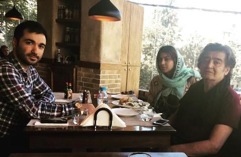 عکس جدید رضا رویگری و همسرش در رستوران