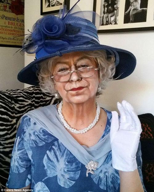 این خانم با گریم شبیه به همه بازیگران می شود + تصاویر عجیب زن