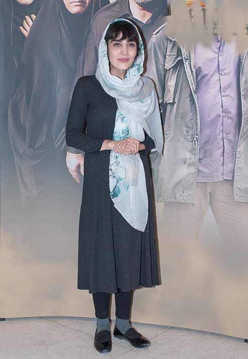 عکس مدل لباس اندیشه فولادوند در اکران خصوصی فیلم هیهات