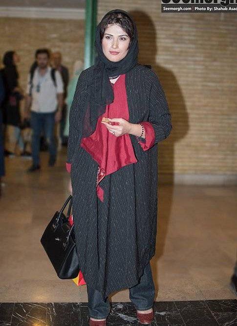 مدل لباس لادن مستوفی بازیگر در جشن منتقدان سینما