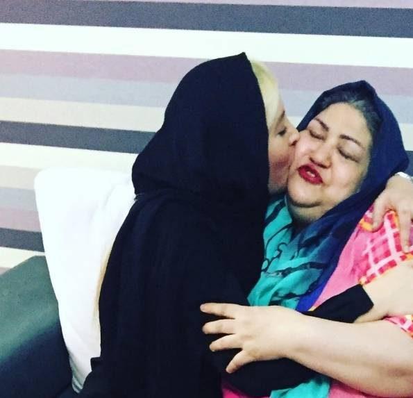 عکس فریبا نادری و مادرش