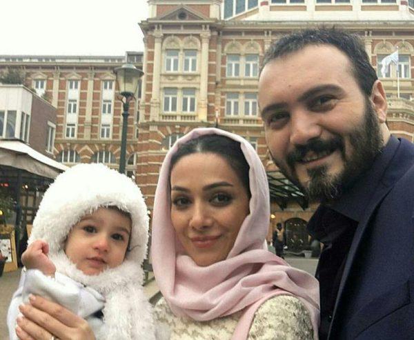 عکس کامبیز دیرباز و همسرش و دخترش نیاز