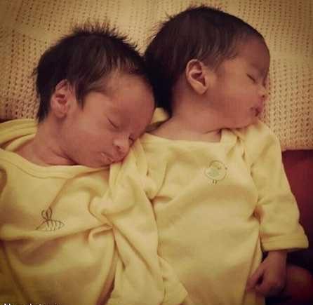 عکس های جدید خانوادگی مجید صالحی و فرزندان دوقلویش آروین و حنا