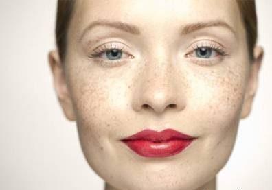 چشم ها یا دهان را در آرایش عروس انتخاب کنید