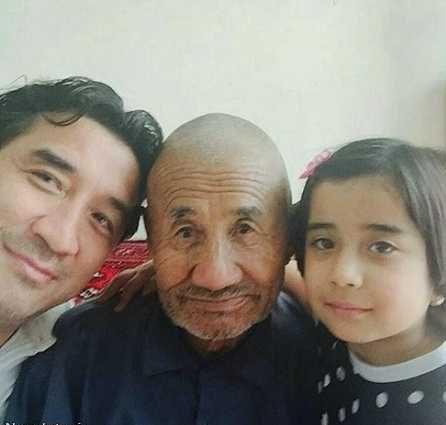 عکس جالب خانوادگی خداداد عزیزی در کنار دختر و پدرش